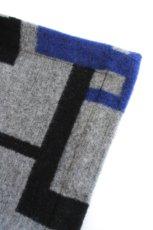 画像14: ETHOSENS / 幾何学ブランケットポンチョ (14)