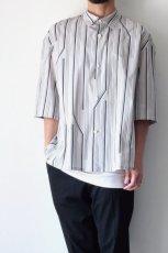 画像12: ETHOSENS / ツイストストライプワイドスリーブシャツ (12)