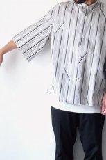 画像10: ETHOSENS / ツイストストライプワイドスリーブシャツ (10)