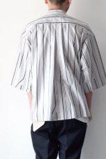 画像7: ETHOSENS / ツイストストライプワイドスリーブシャツ (7)
