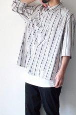 画像13: ETHOSENS / ツイストストライプワイドスリーブシャツ (13)